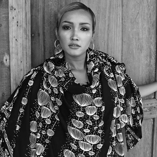 Lookbook Batik Sarong Pareo Black White